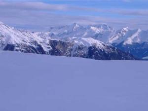 Winterliche-Bergwelt-Ratschings